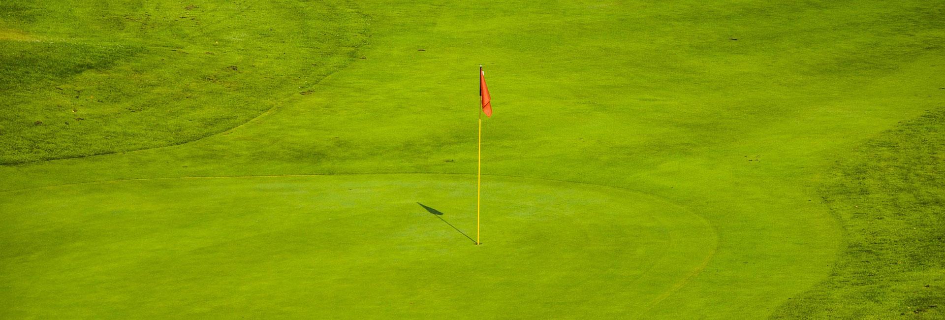 Golffahne mit Golfloch